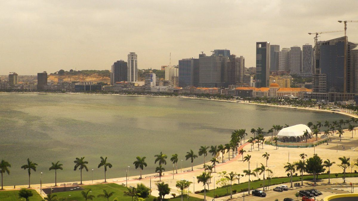 Tres historias, tres compatriotas en Luanda -Angola-
