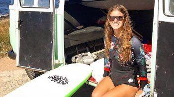 Isabella Desseno: Competidora en surf adaptado.